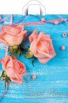 Купить оптом полиэтиленовый пакет Коралловые розы с петлевой ручкой от Тико